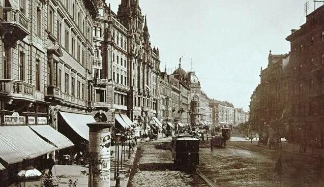 le grand boulevard de Pest en 1896
