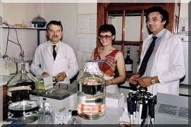 montagnier chermann barre-sinoussi chercheurs français ayant découvert le VIH