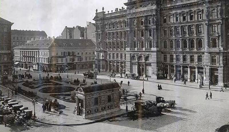 place Vorosmarty après sa construction
