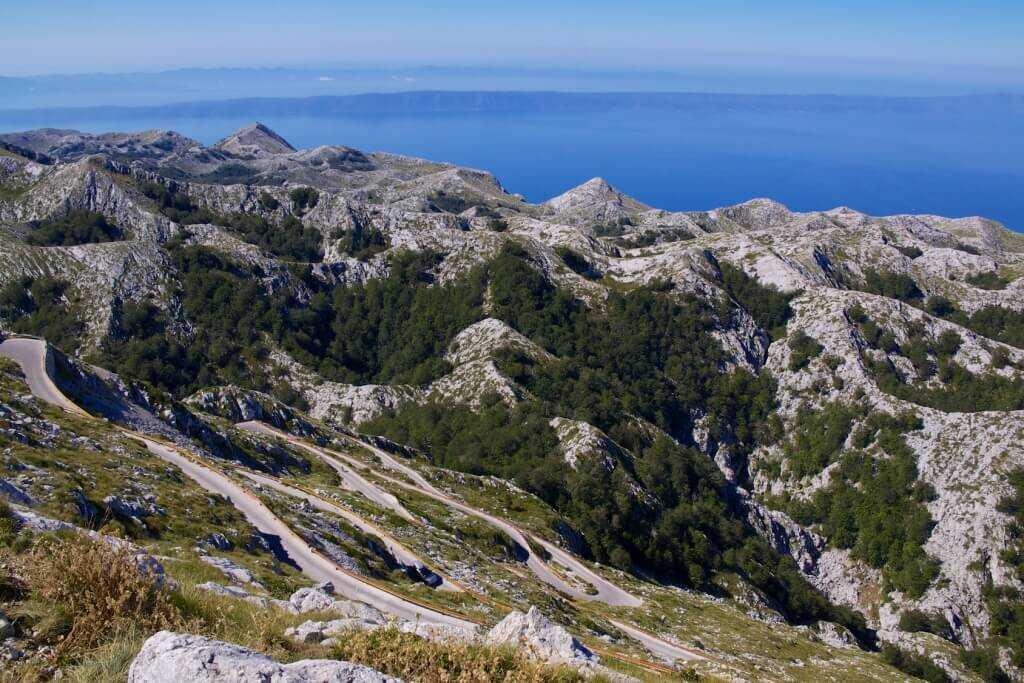Biokovo panorama Harvepino un des plus beaux points sur la via dinarica voie bleue