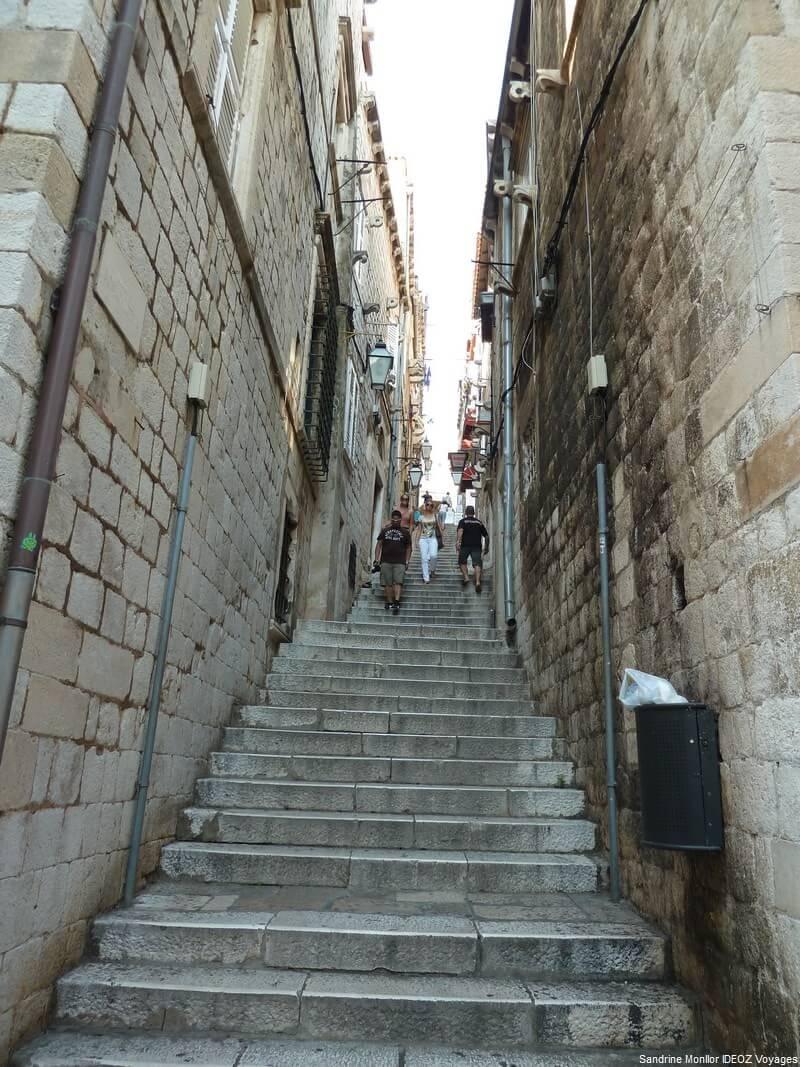 Ruelle et marches à Dubrovnik