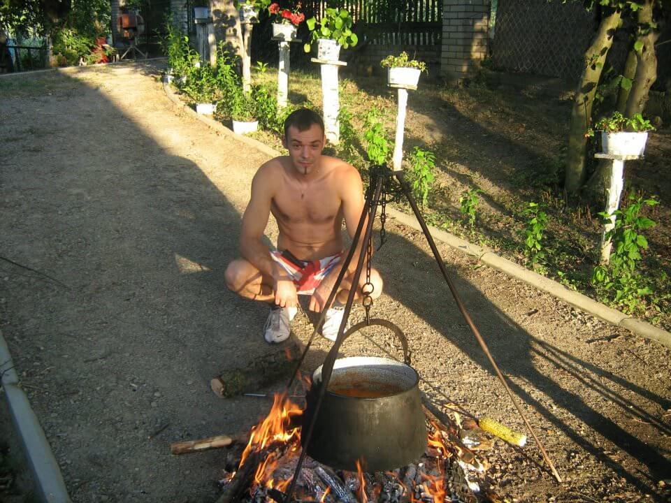 Srdjan Lackovic préparation de la fis paprikas à Bilje