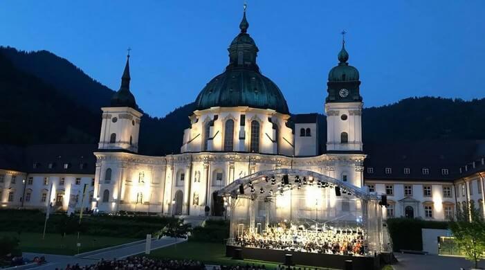 Festival Richard Strauss à l'abbaye d'Ettal ; concerts de plein air dans un cadre enchanteur