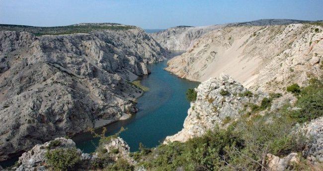 Canyon de la rivière Zrmanja en Dalmatie