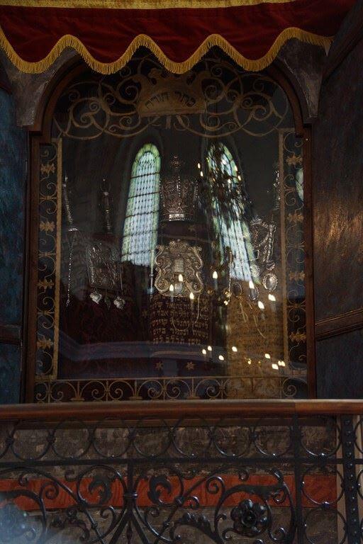 Rouleaux de la Torah de la Synanogue vieille nouvelle de Prague