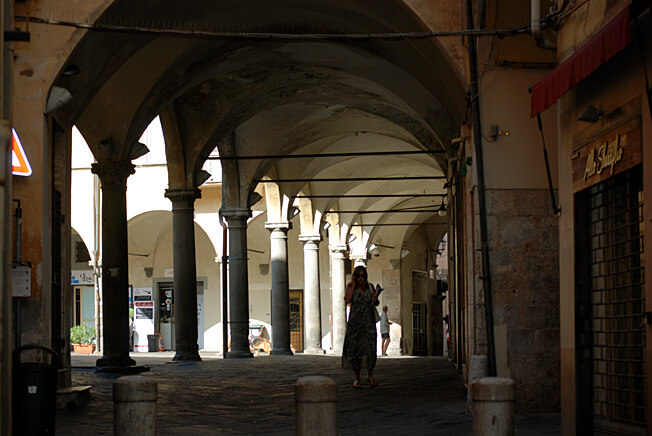 pise borgo largo arcades
