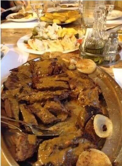 cerf en sauce plat de Lika senj préparé par sonja soka à mrzlingrad