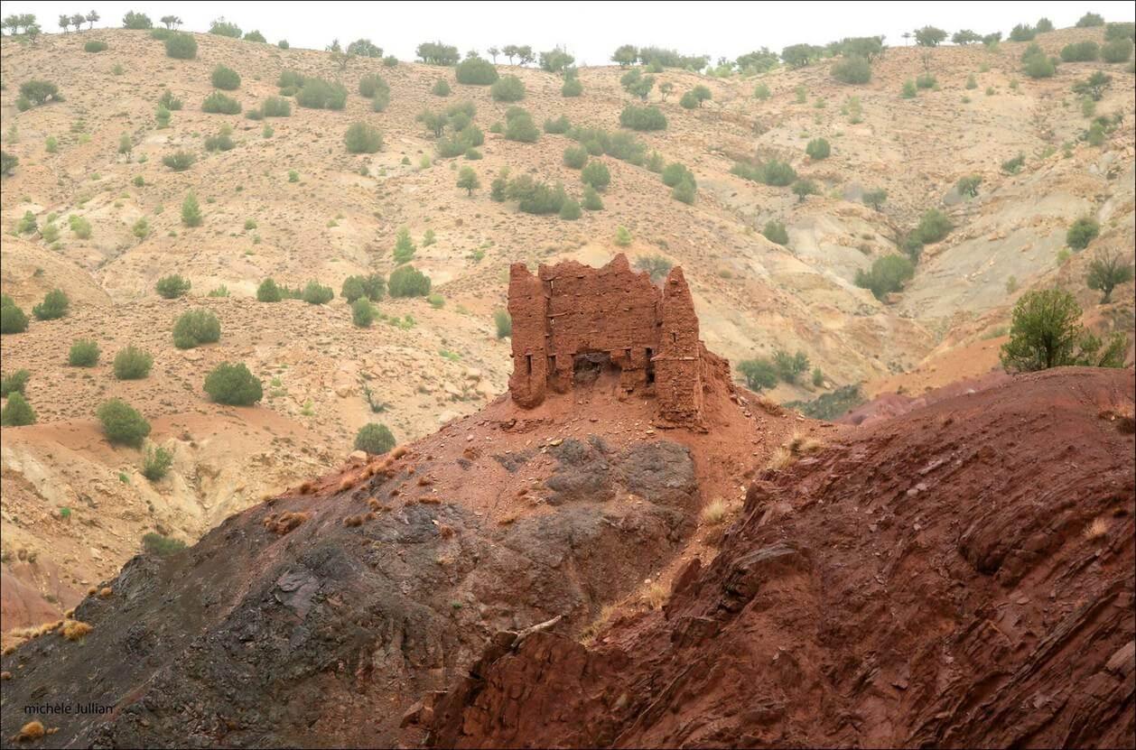 Fort en ruines dans les montagnes marocaines