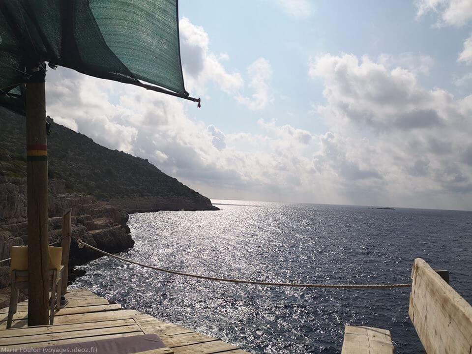 terrasse maritime sur l'adriatique en croatie