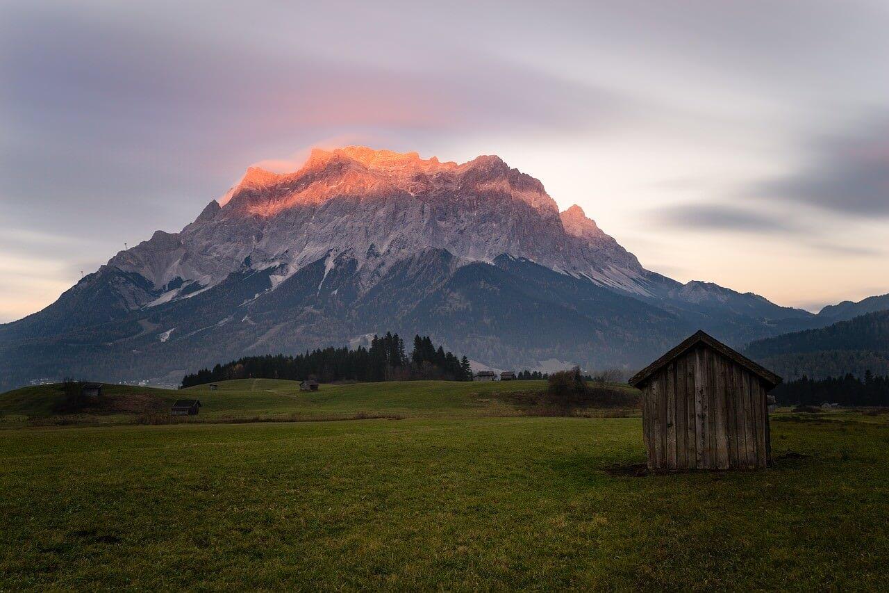zugspitze massif des alpes bavaroises et point culminant de l'allemagne