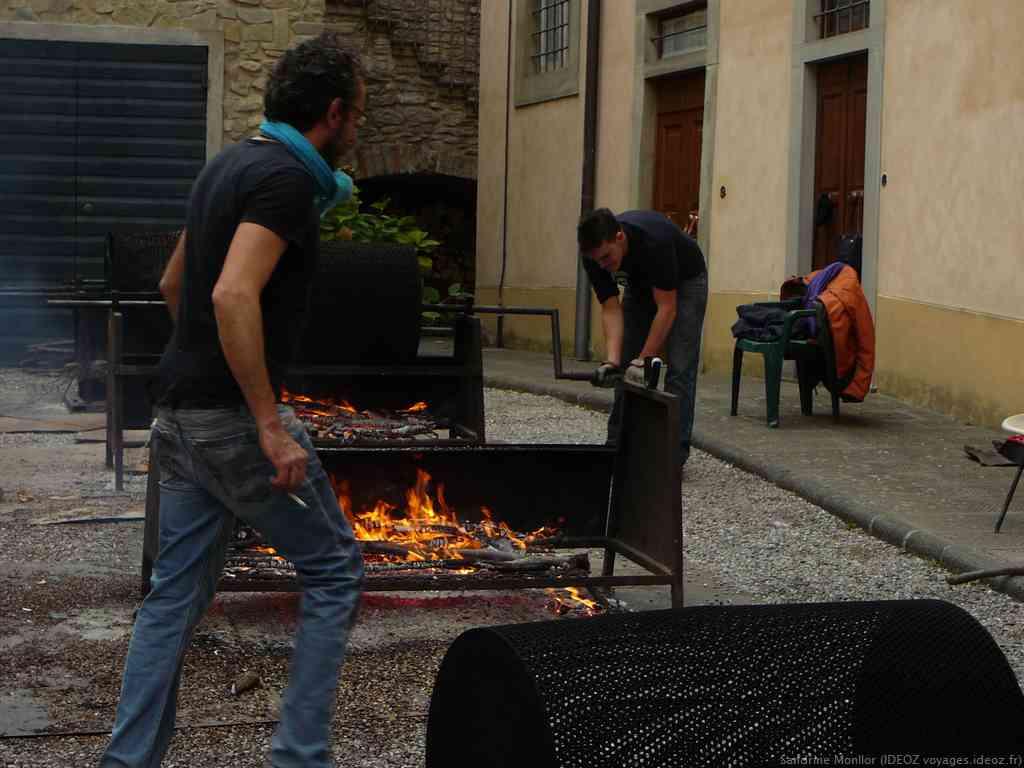 Bruciate cuisson des marrons lors de la fête de la chataigne de Marradi