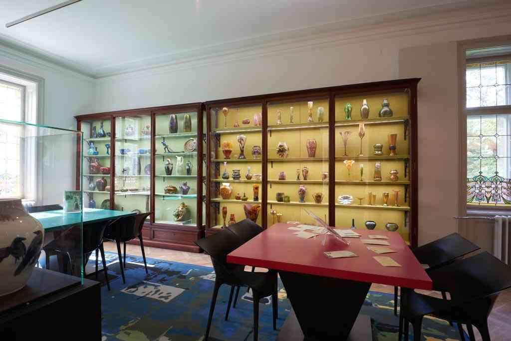 Collection Zsolnay, Gallé, Tiffany à la villa György Ráth à Budapest