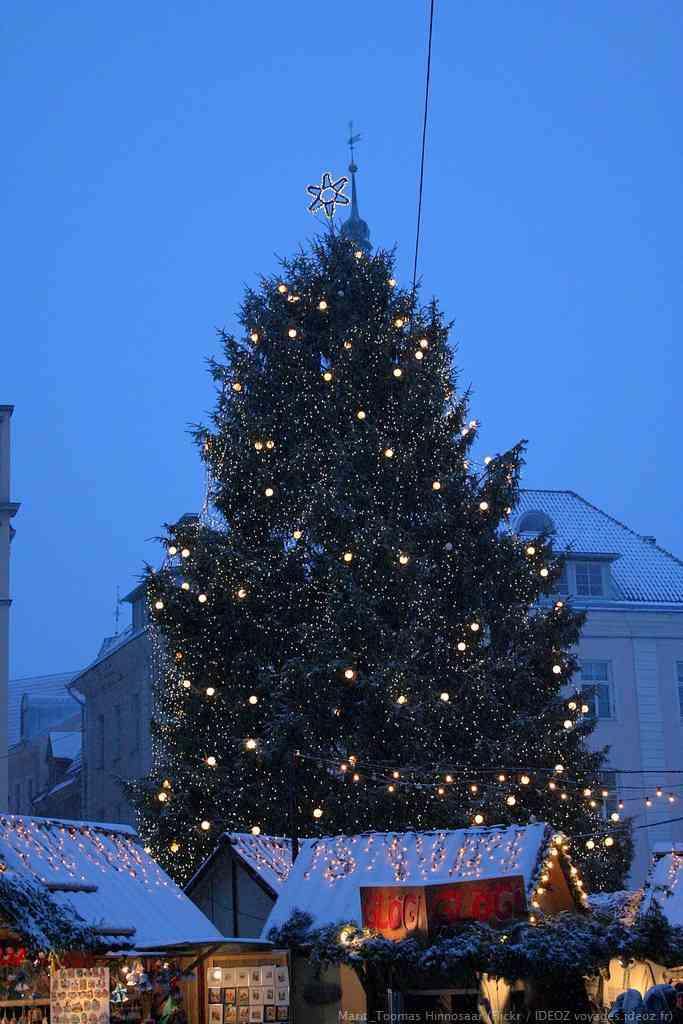 Marché de Noel de Tallinn sur la place de la vieille ville