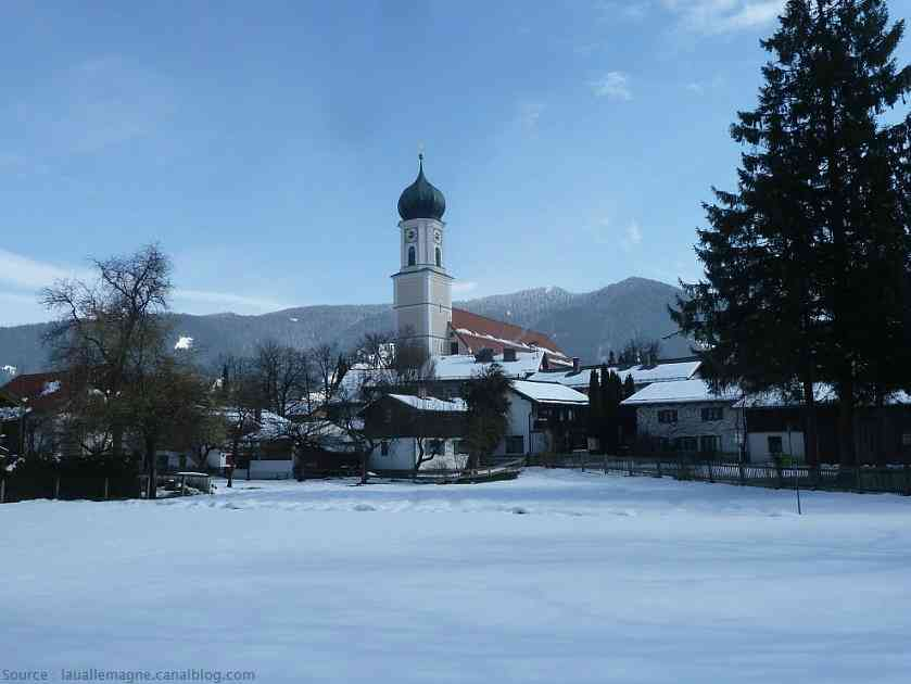 Oberammergau en hiver sous la neige