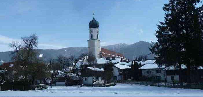 Marché de Noël à Oberammergau ; traditions bavaroises de l'Avent dans les Alpes