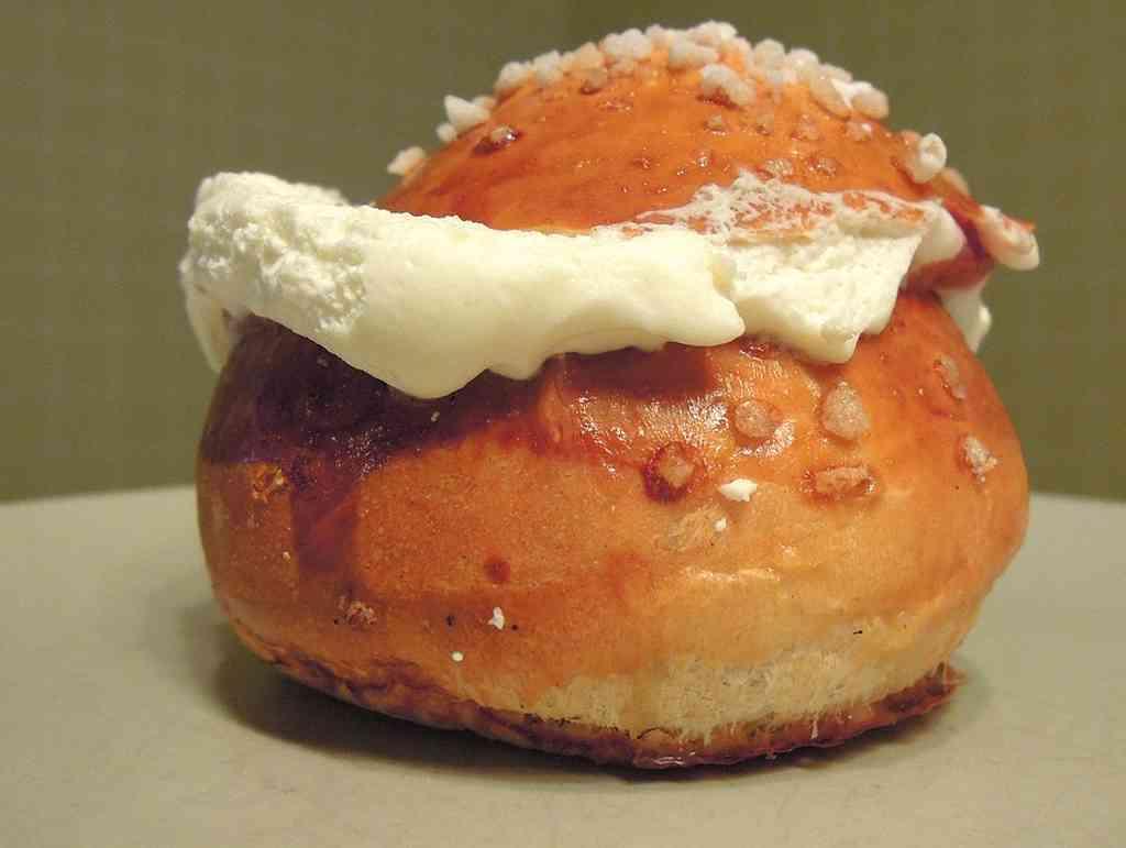 brioche finlandaise pulla à la crème smetana