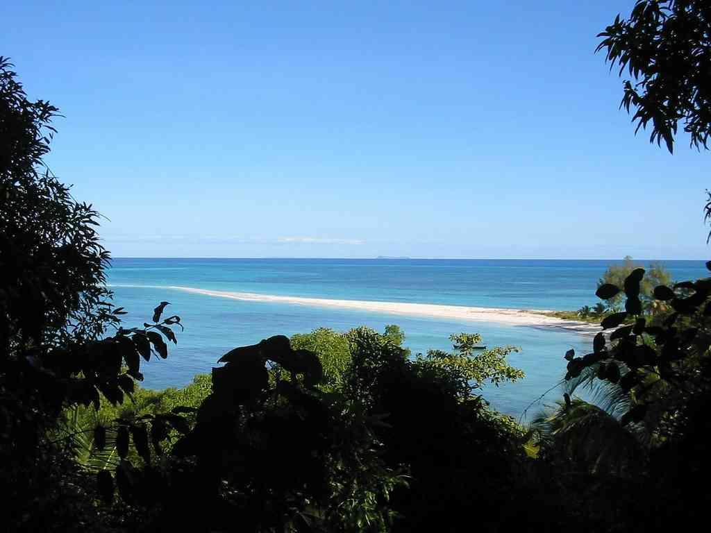 madagascar plage de sable
