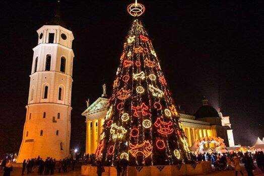 sapin de noel géant à Vilnius