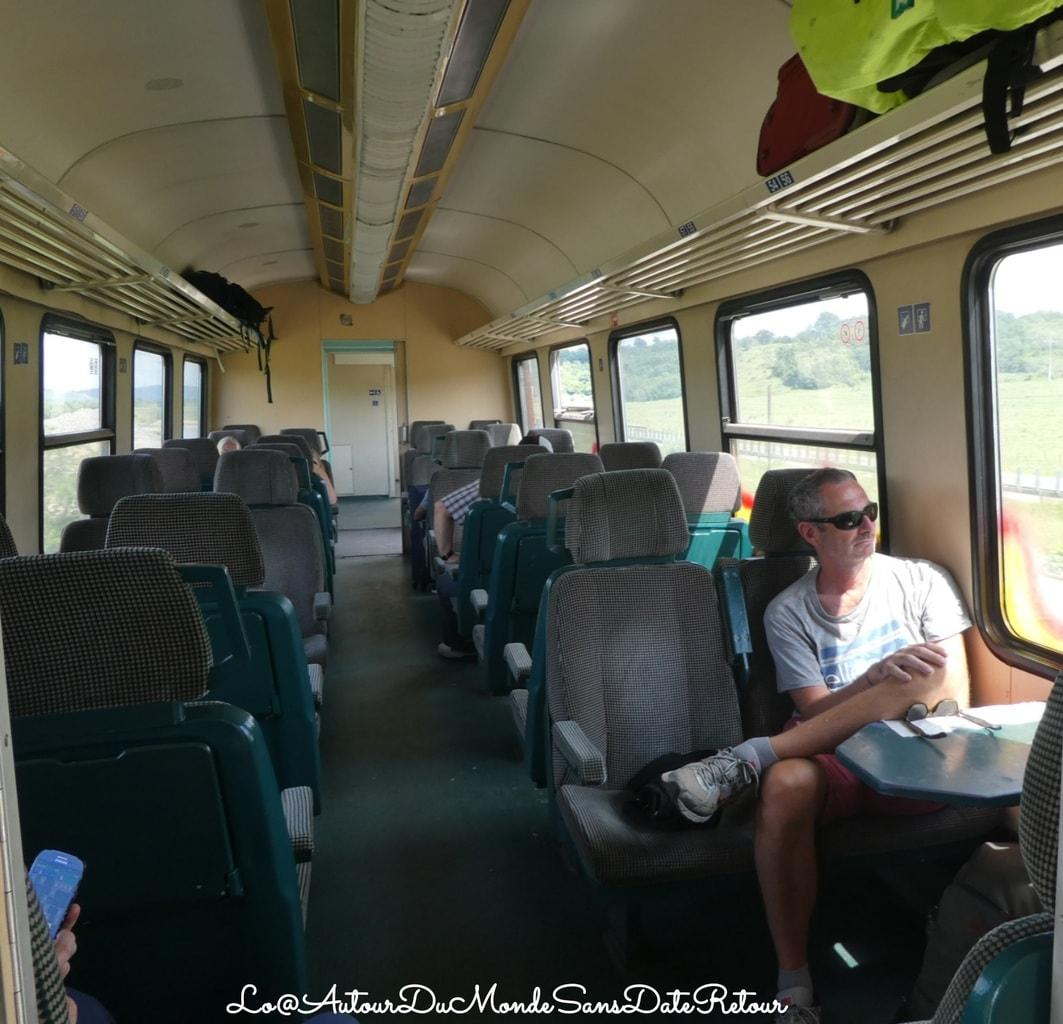 Dans un train en Roumanie