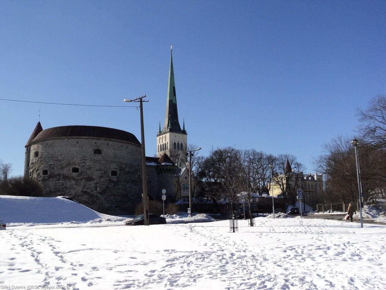 Tallinn Grosse Marguerite et église Saint Olav