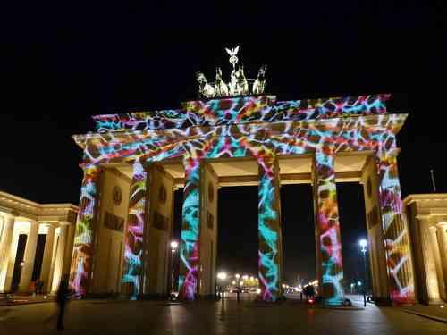 berlin porte de brandebourg de nuit