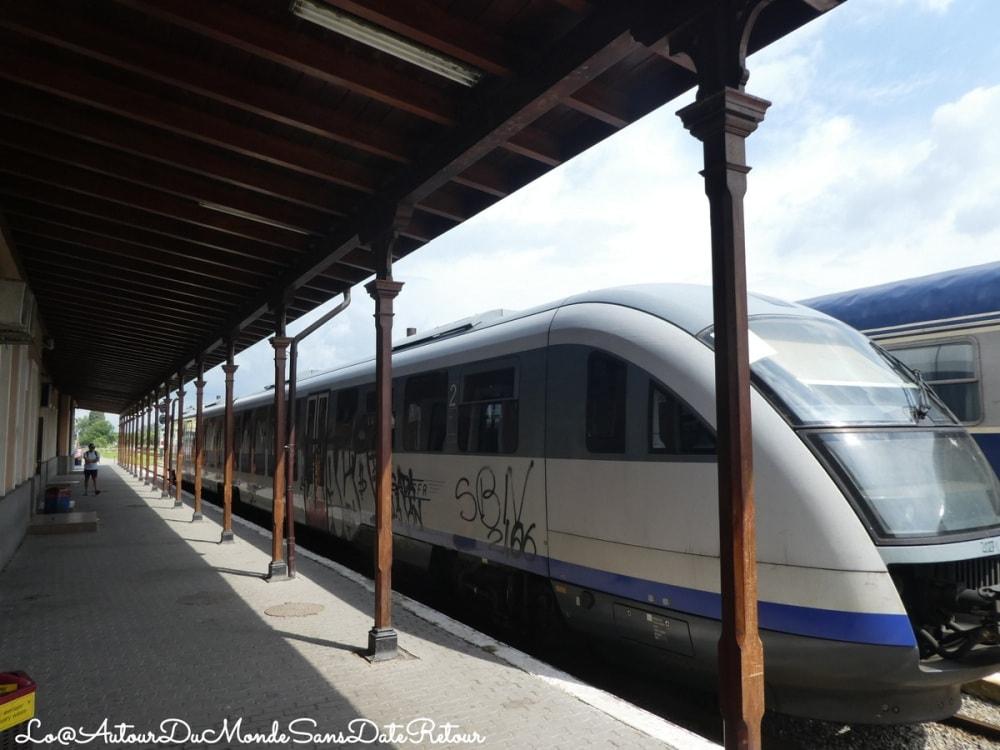 train roumain moderne