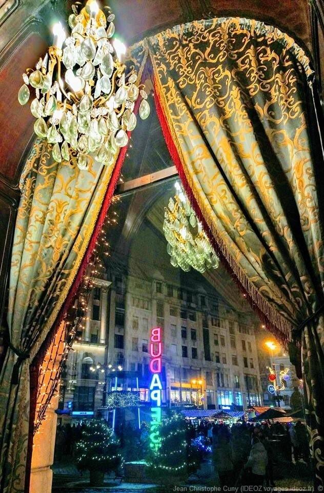 Tentures traditionnelles chez Gerbeaud Haz à Budapest