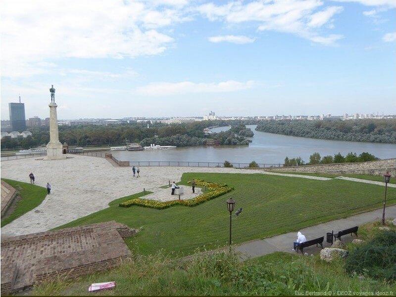 Danube à Belgrade vue depuis la forteresse Kalemegdan