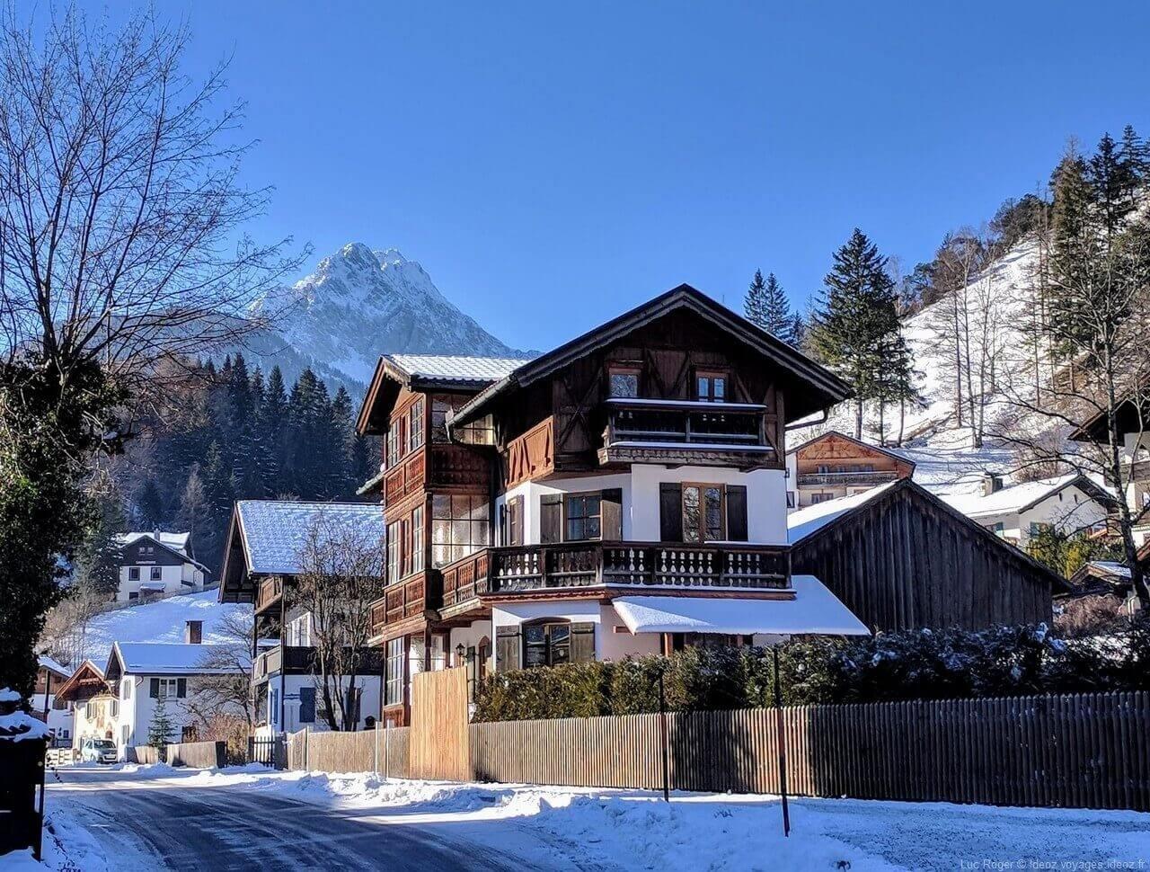 Chalets et maisons de Mittenwald en hiver