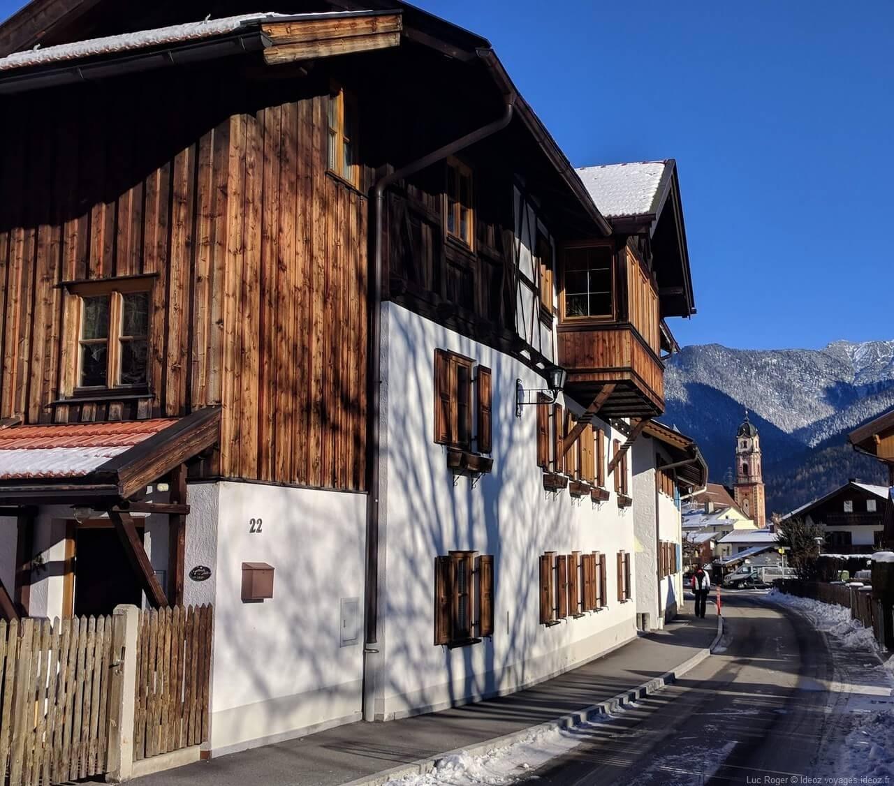 Rue de Mittenwald en hiver