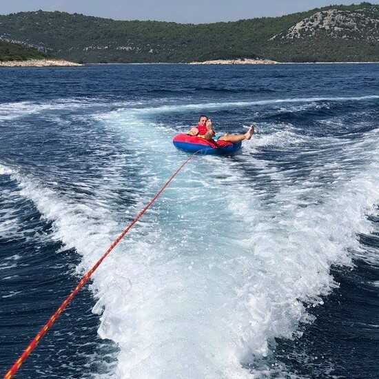 bouée tractée dans les iles kornati