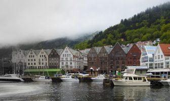 Bergen dans le brouillard