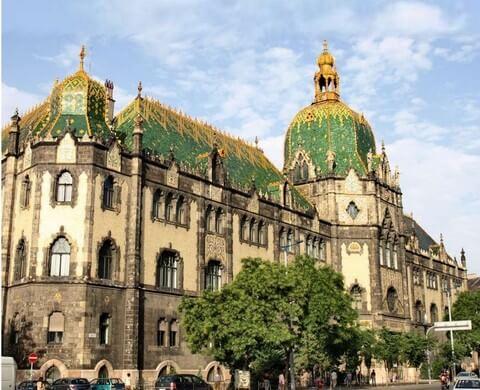 Budapest musée des arts appliqués par Lechner