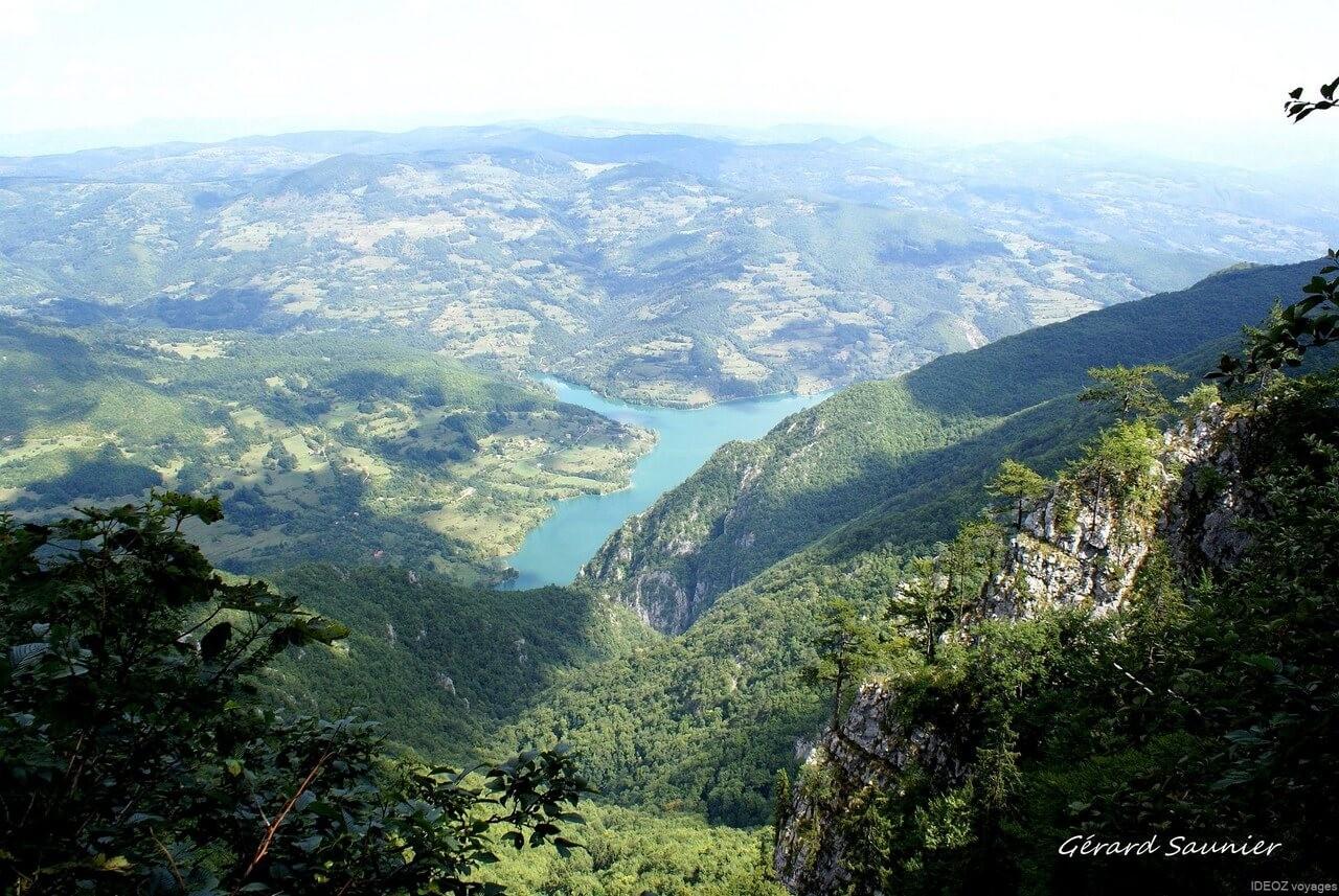 Drina lac de Perucac parc de Tara