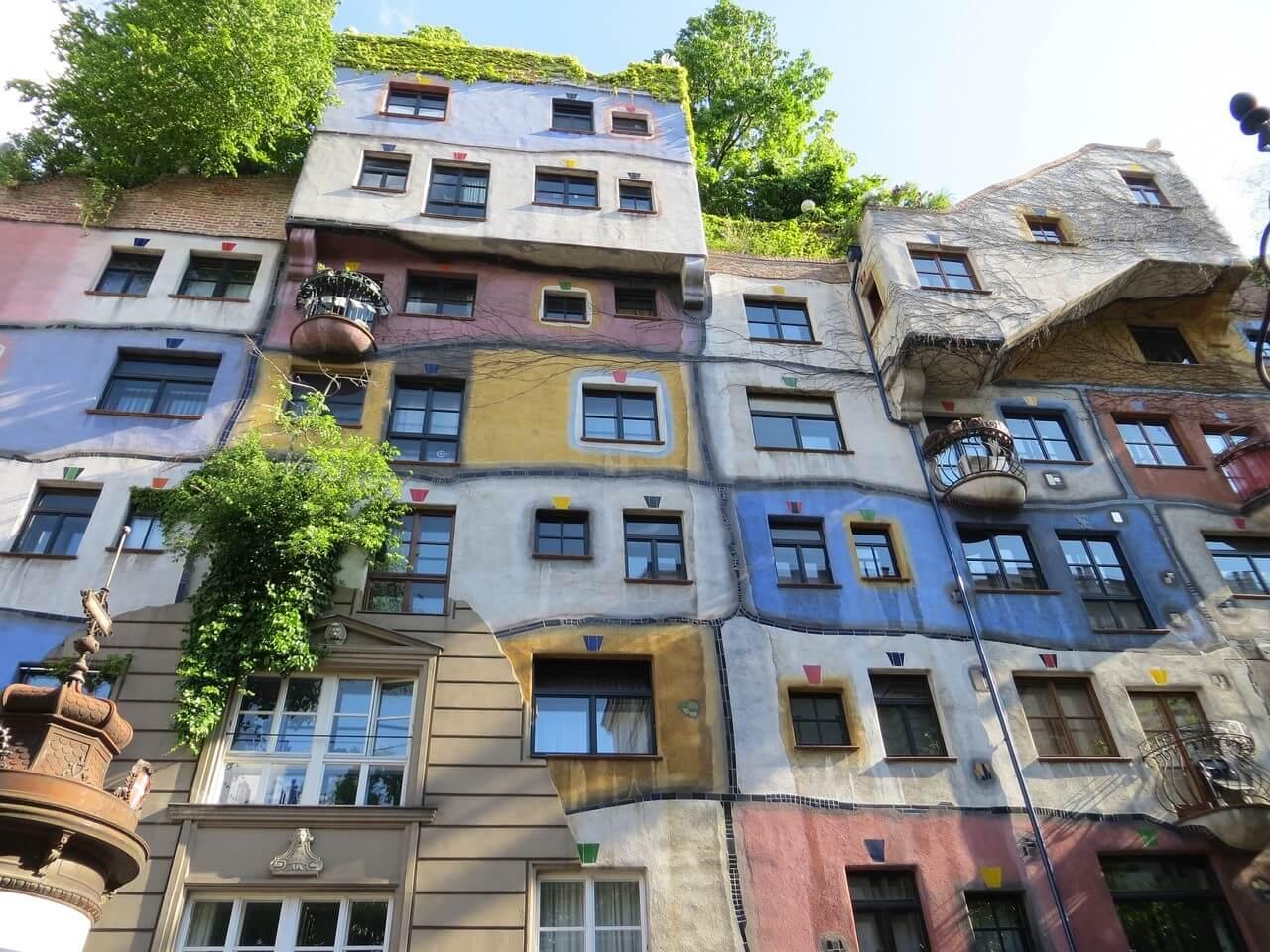 hundertwasserhaus maisons colorées