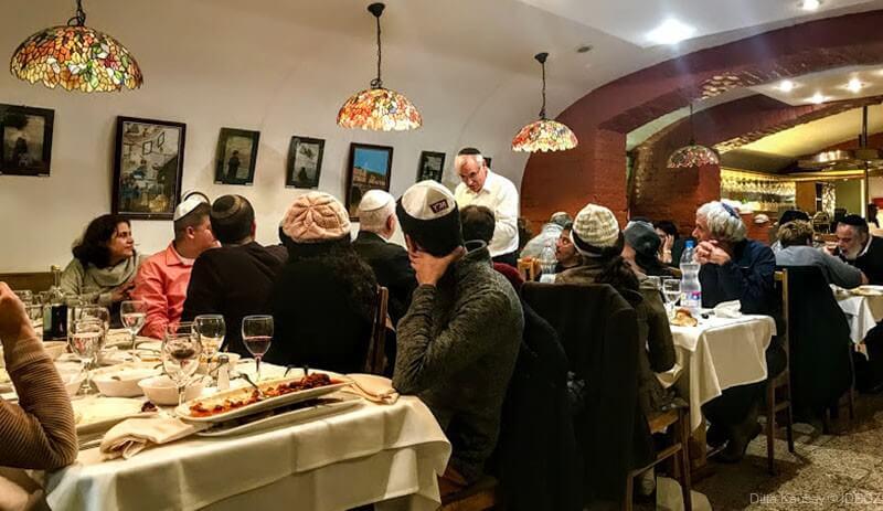 restaurant casher à budapest dans le quartier juif