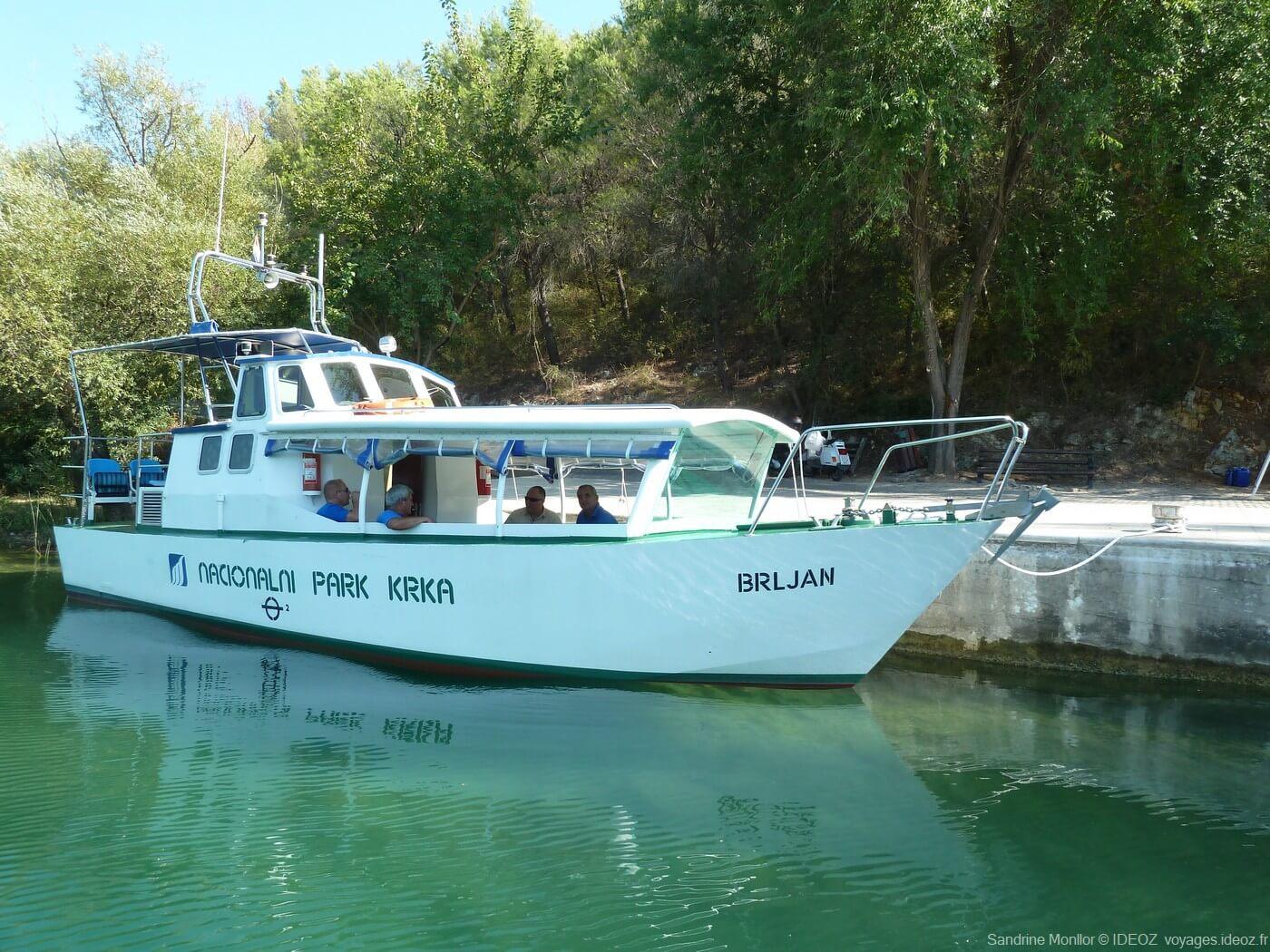 Bateau Brljan narional park krka excursion optionnelle jusqu'à roski spal (1)