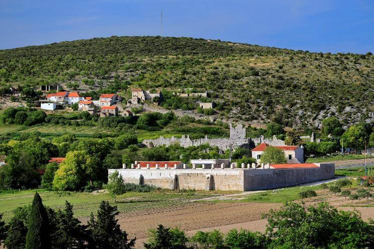 chateau de Vrana