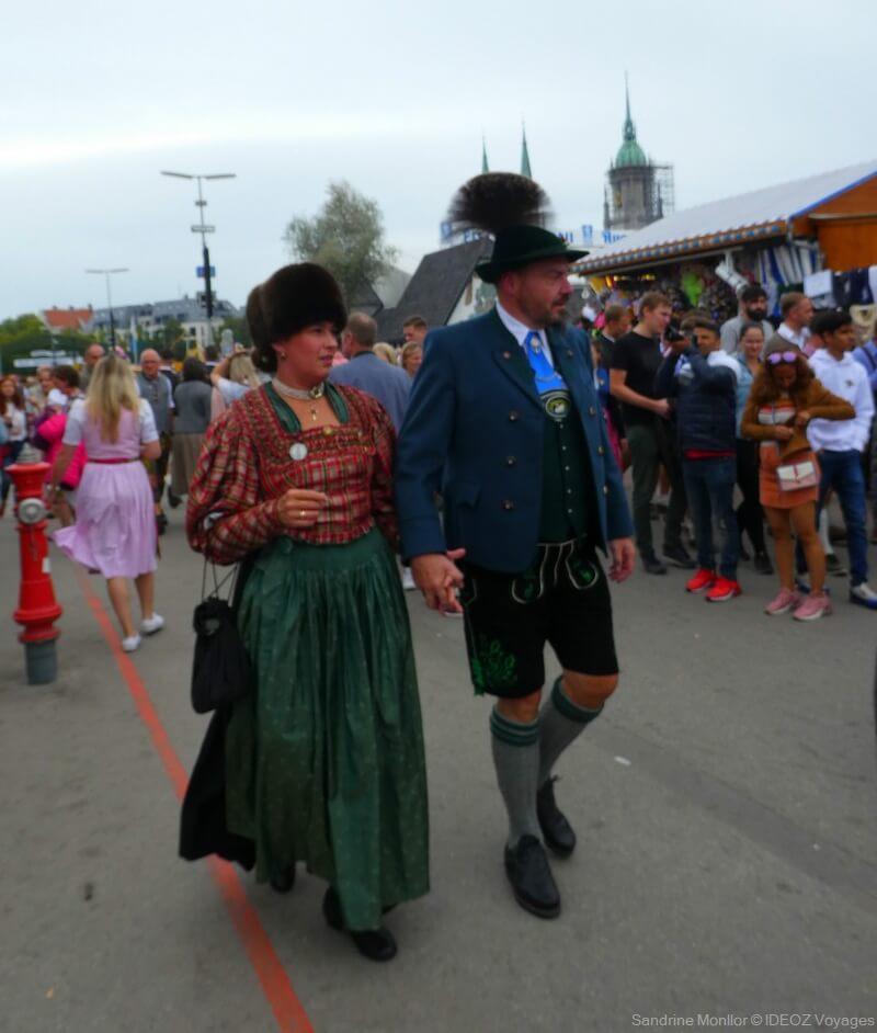 S'habiller pour l'Oktoberfest de Munich : Dirndl, Lederhose et chapeaux! 4