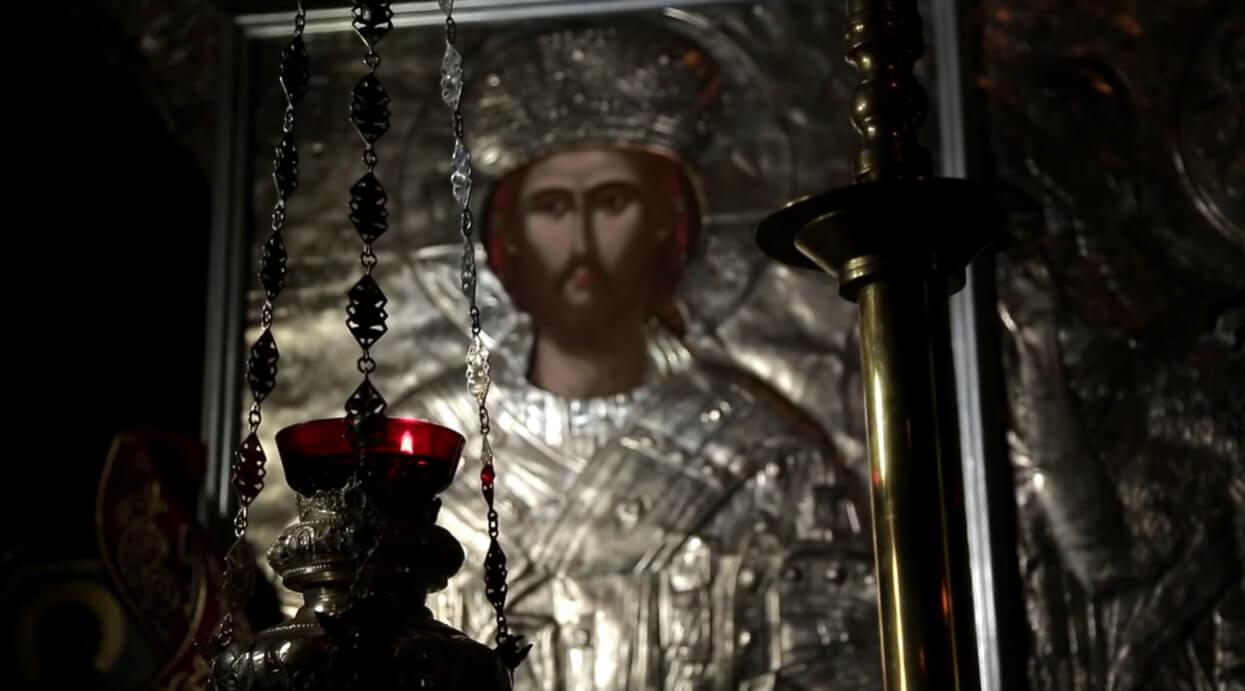 icone du christ roi dans le monastère krka