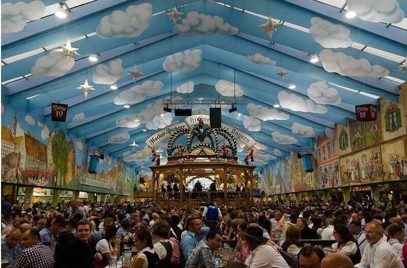Les tentes d'Oktoberfest à Munich : à chacun son ambiance lors de la fête de la bière! 1