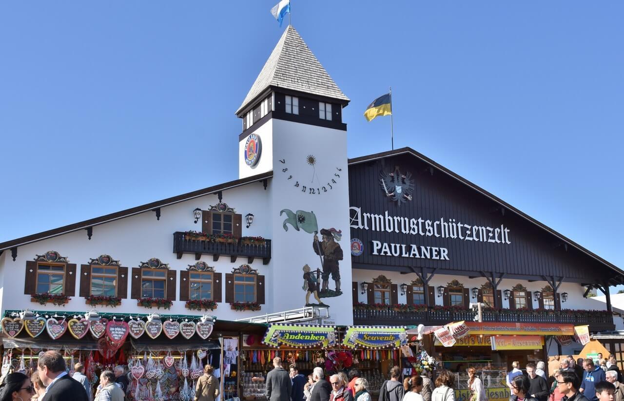 armbrustschutzenzelt paulaner tente des chasseurs d'Oktoberfest (1)