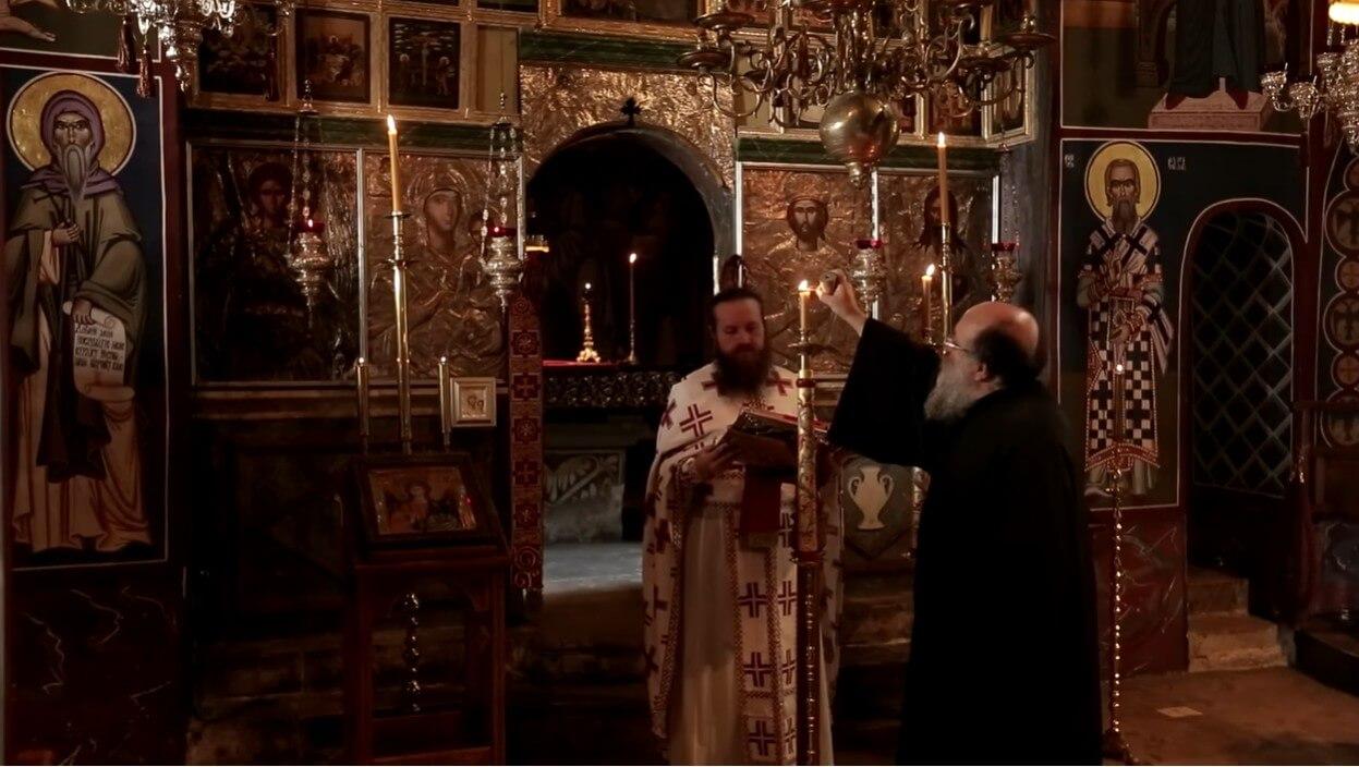 début de la messe église du monastère de krka