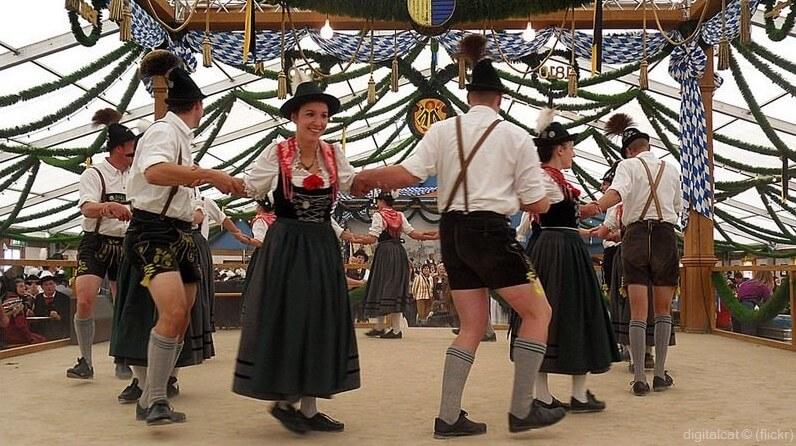 danseurs folkloriques Oktokberfest à Munich (1)