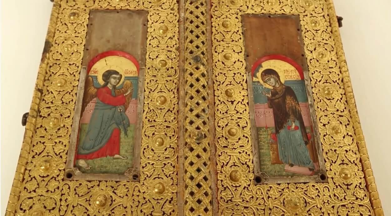 icones précieuses dans l'église du monastère krka
