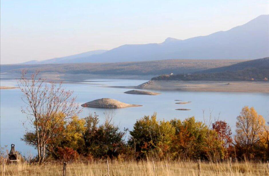 lac peruca en automne