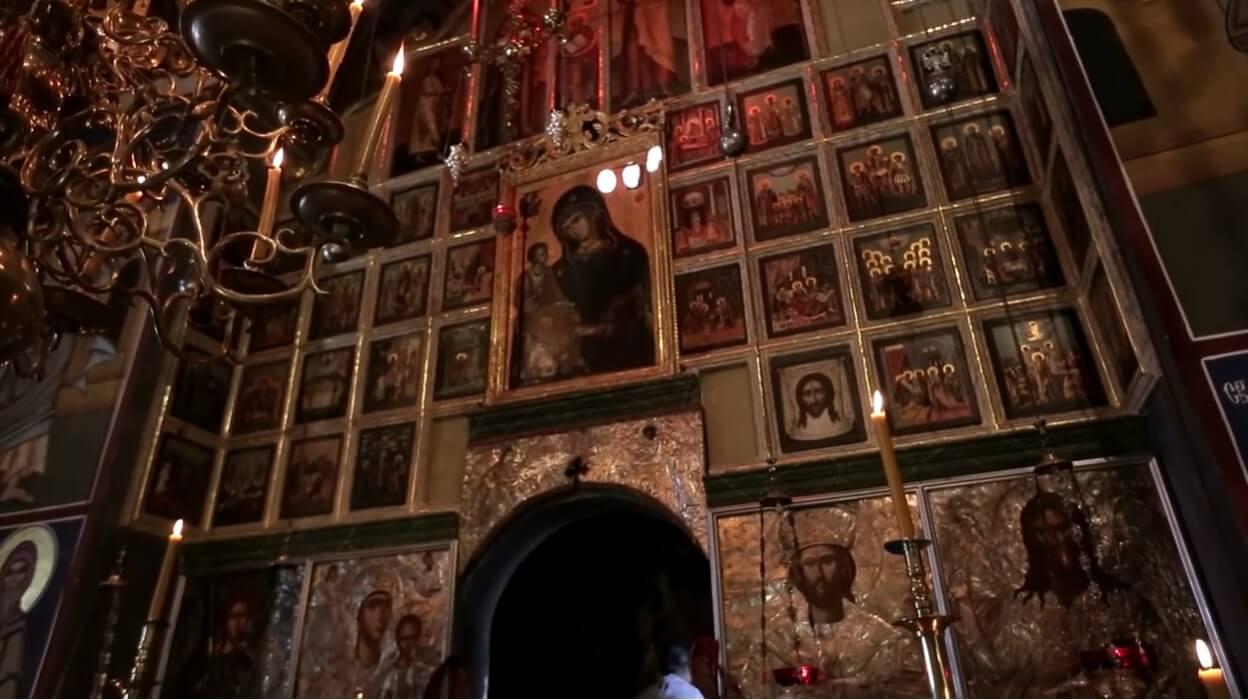 tableaux et icones dans le monastère krka