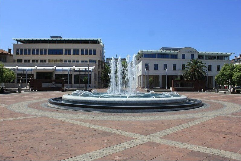 podgorica fontaine sur la place centrale