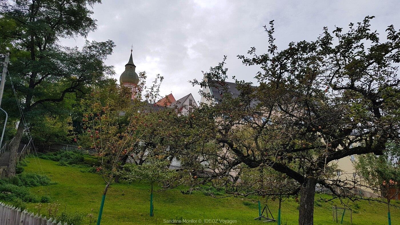 vergers de l'abbaye andechs dont les moines tirent les fruits qui servent à produire le schnaps