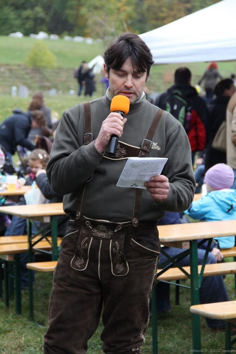 animateur de la  Kurbisfest am Himmel lors du concours des plus belles courges